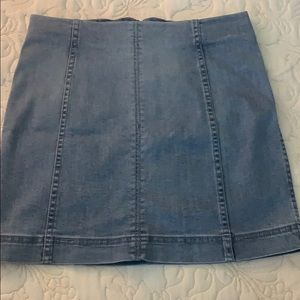 very new american eagle denim skirt no stains